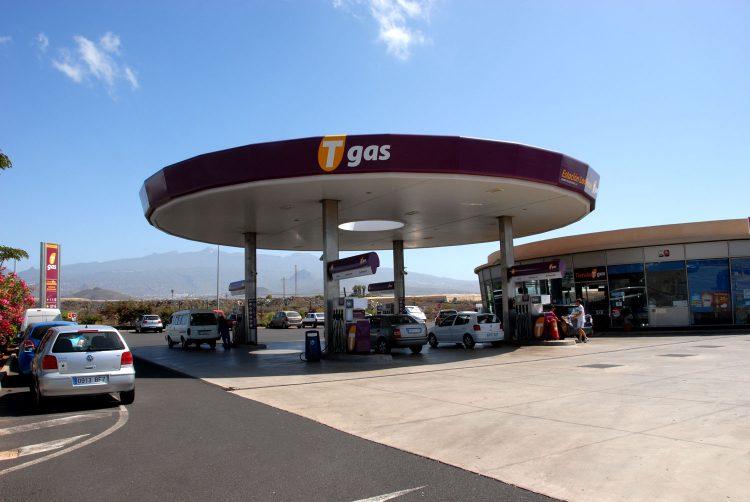 Gasolinera Tgas Los Pozos, en Las Galletas, Arona