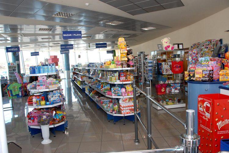 Tienda de la Gasolinera Tgas Los Pozos, en Las Galletas, Arona