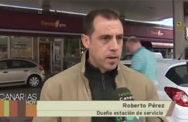 Roberto Pérez Real siendo entrevistado