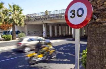 Señal límite velocidad 30 km/h
