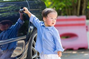 Prevención niños vehículo