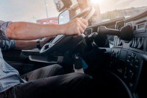 Cómo-adoptar-la-mejor-postura-para-conducir-tgas-asiento